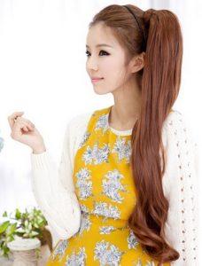 Gaya cahaya yang sama dari perempuan Korea percaya pada ekornya. Klasik atau dengan seluruh jenis gadget – terserah Anda. Gadis-gadis kebangsaan ini ...